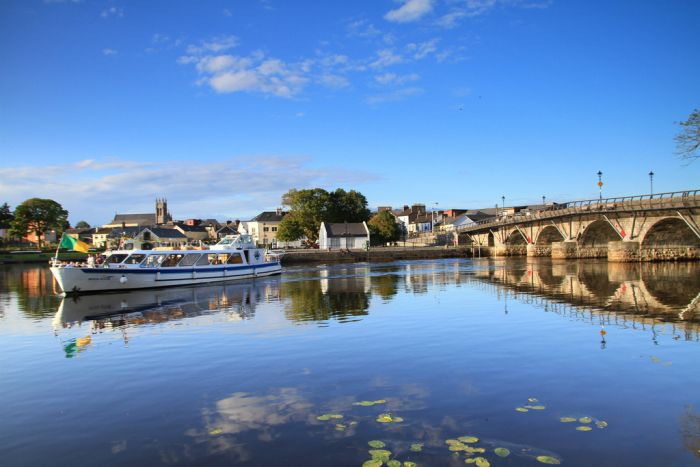 Carrick on Shannon's premier hen party activity is the fantastic Moon River party cruise